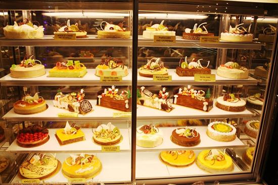 tủ trưng bày bánh kem đài loan