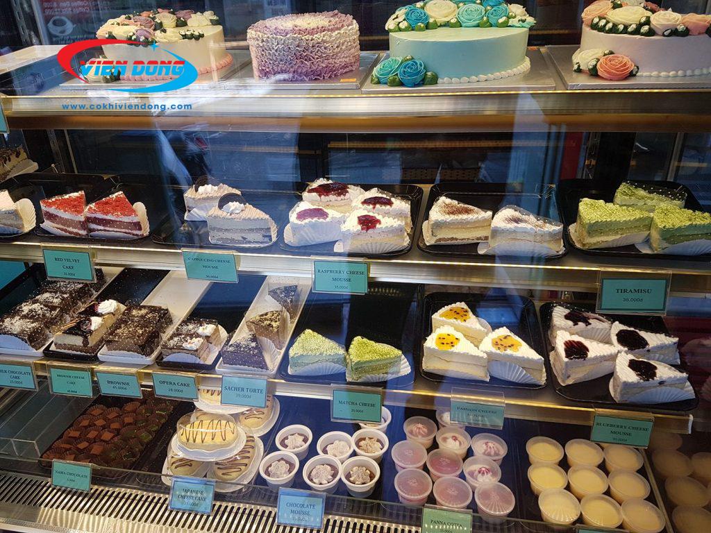 Bánh kem được trưng bày